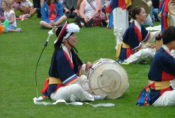 04 Korean Drummers