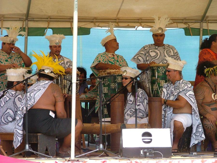 Tahitian drummers 2